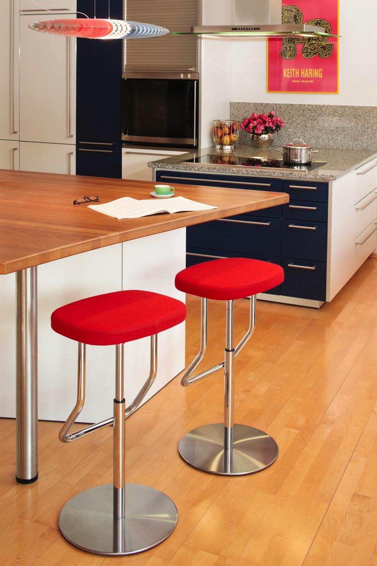 barhocker thonet s 123 von irvine im designlager d lmen. Black Bedroom Furniture Sets. Home Design Ideas