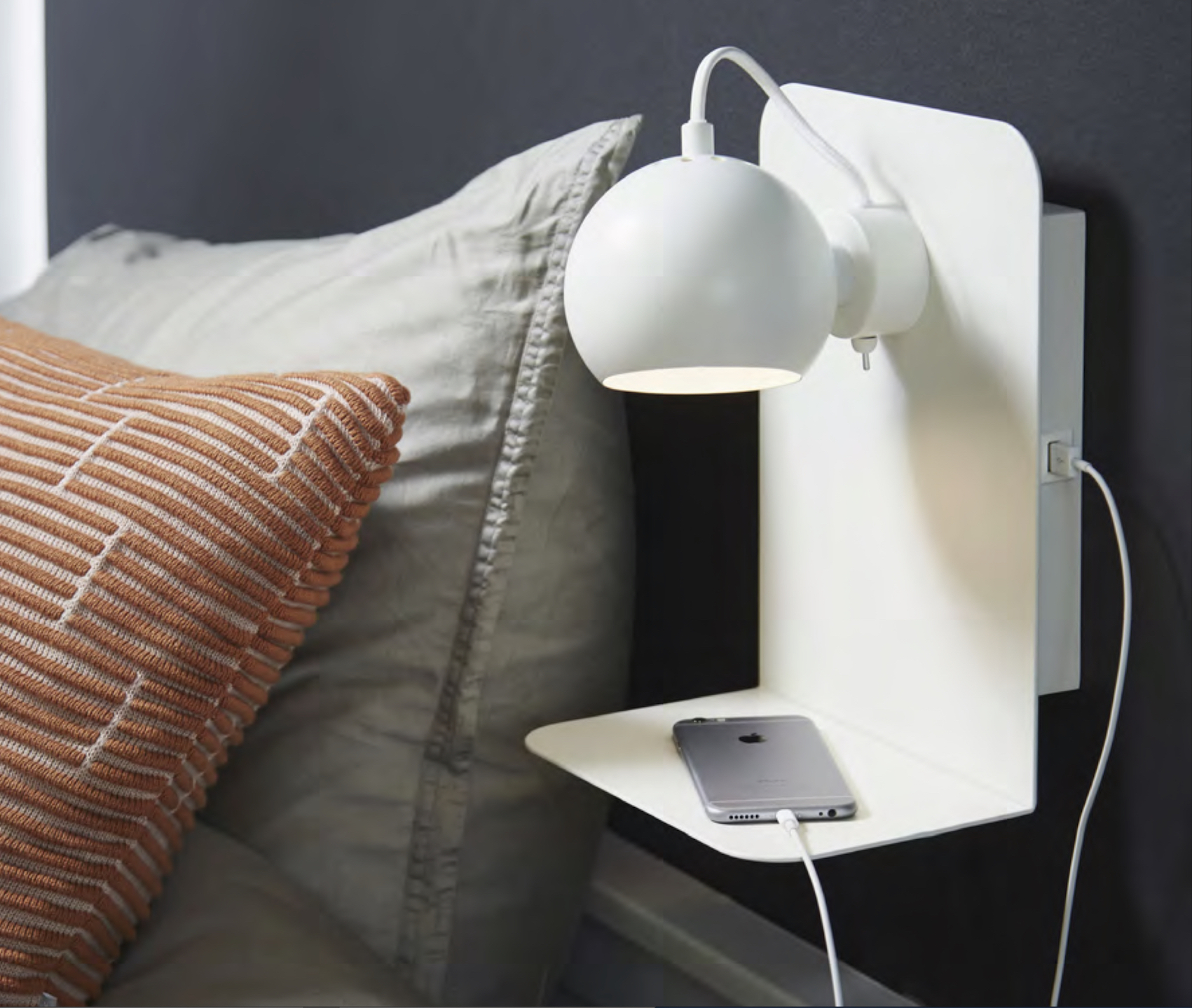 Frandsen Wall Magnet-Lamp BAL with Built - in USB